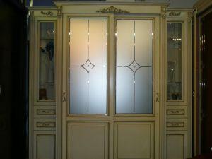 Классический шкаф купе массив с фацетными зеркалами и гравировкой Могилёв