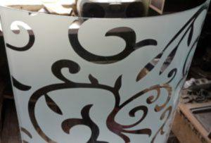 Стекло радиусное с пескоструйным рисунком для радиусных дверей Могилёв