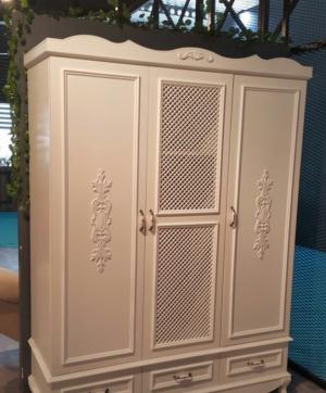 Распашные двери с декоративными накладками Могилёв